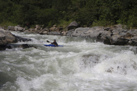 <b>Alamania Whitewater</b> <br/> Long Complex Rapids. Polo at the exit.